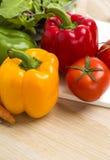 Mengeling van groenten op salade Royalty-vrije Stock Fotografie