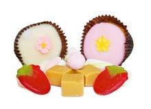 Mengeling van snoepjes en geleivruchten op wit Royalty-vrije Stock Foto
