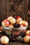 Mengeling van verse vruchten Stock Fotografie