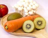 Mengelings verse groenten en vruchten voor healty of dieetmensen Stock Afbeelding