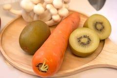Mengelings verse groenten en vruchten voor healty of dieetmensen Stock Foto