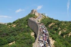 Mengen auf der Chinesischen Mauer Stockbild