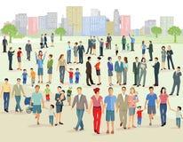 Mengen in der städtischen Grünfläche Stockfoto
