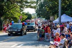Mengen am Viertel von Juli-Parade Lizenzfreies Stockfoto