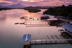 Mengkabong河和Mt Kinabalu 免版税图库摄影