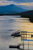 Mengkabong-Fluss und Mt Kinabalu Lizenzfreies Stockbild