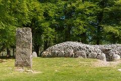 Menhir et le site grave circulaire aux cairns de Clava photos libres de droits