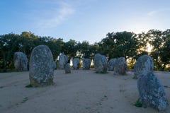 Menhir in un cromlech vicino ad Evora nel Portogallo Immagini Stock