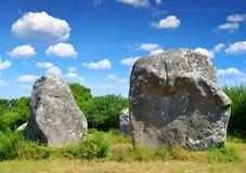 Menhires megalíticos de los monumentos en Carnac imagen de archivo