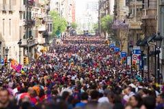 Menigte in Barcelona Stock Afbeelding