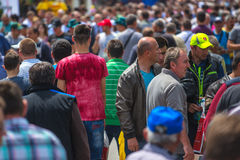Menigte van mensen bij 83ste Traditionele Landbouwmarkt in Novi Sa Stock Afbeeldingen