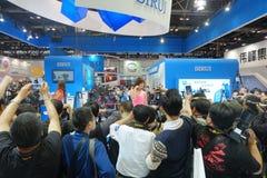 Menigte van mensen in China P&E 2014 - de Internationale Foto van 17de China & de Elektroweergavemachines en de Technologiemarkt stock fotografie