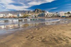 Menigte van mensen die op Playa DE Troya zonnebaden Stock Foto's