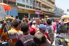Menigte van mensen in festival Songkran Royalty-vrije Stock Afbeeldingen