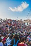 Menigte van Mensen in Indra Jatra Festival in Katmandu royalty-vrije stock foto