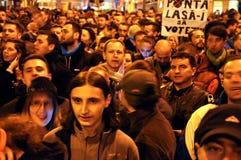 Menigte van mensen tijdens een straatprotest Stock Fotografie
