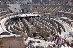 Menigten in Colosseum stock fotografie