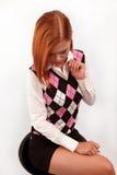 A menina à moda com é cabelo brilhante-vermelho Imagens de Stock
