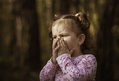 A menina é assustado Imagem de Stock