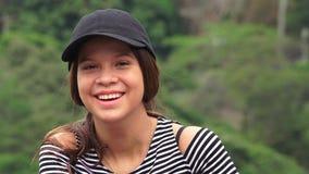 Menina adolescente adorável e sorrindo foto de stock royalty free