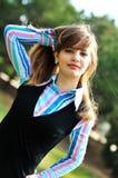 Menina adolescente ao ar livre foto de stock
