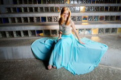 Menina adolescente bonita no vestido do baile de finalistas Foto de Stock Royalty Free