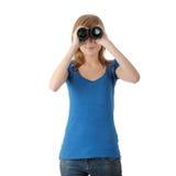 Menina adolescente com binocular foto de stock royalty free