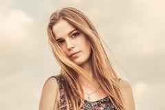 Menina adolescente com expressão com alma Imagens de Stock Royalty Free