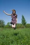 Menina adolescente de salto imagens de stock