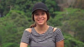 Menina adolescente de sorriso feliz imagem de stock