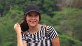 Menina adolescente de sorriso feliz imagem de stock royalty free