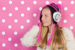 Menina adolescente do retrato no inverno Fotografia de Stock Royalty Free