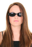Menina adolescente dos anos de idade 14 bonitos em óculos de sol escuros Fotos de Stock