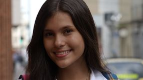 Menina adolescente latino-americano bonita fotos de stock