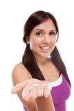 Menina adolescente latino-americano com comprimido da medicina Imagem de Stock