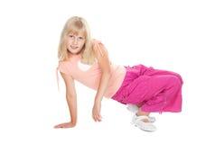 Menina adolescente loura bonito no levantamento do vestido ocasional Fotos de Stock Royalty Free