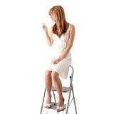 Menina adolescente loura no vestido branco Fotografia de Stock Royalty Free