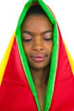 A menina africana bonita que olha faz Imagem de Stock