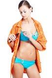 Menina agradável que prepara-se para tomar um chuveiro Imagens de Stock