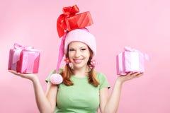 Menina alegre com presentes Fotos de Stock Royalty Free
