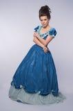 Menina antiquado no vestido azul fotos de stock
