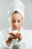 Menina após o banho com sabão. Fotos de Stock Royalty Free