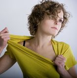 Menina apaixonado com cabelo curly Imagens de Stock