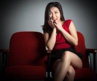 Menina asiática atrativa 20s no fundo do branco do isolado do teatro Foto de Stock Royalty Free
