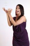 Menina asiática com bolhas de sabão Fotos de Stock Royalty Free
