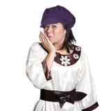 Menina asiática com mão na boca, sorrindo. Imagens de Stock Royalty Free