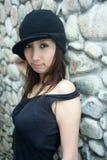 Menina asiática fresca que olha o visor imagens de stock