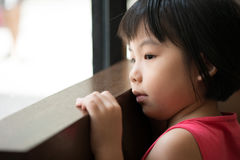 Menina asiática triste Fotografia de Stock