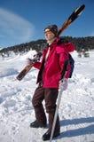 Menina ativa com esqui Imagem de Stock Royalty Free