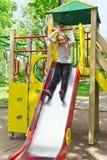 Menina ativa na plataforma do berçário no verão Imagens de Stock